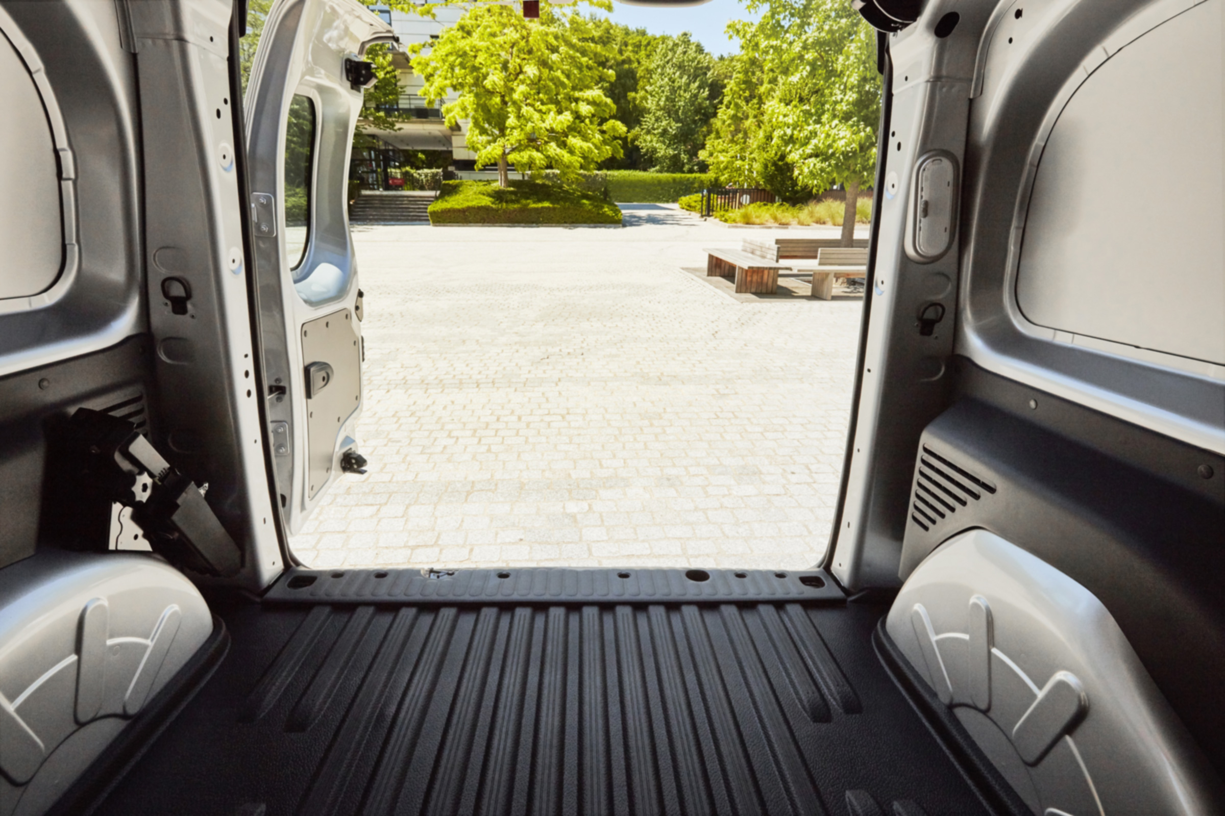 Van security tips: how to keep your van and its contents safe thumbnail