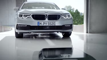 BMW 530e wireless charging