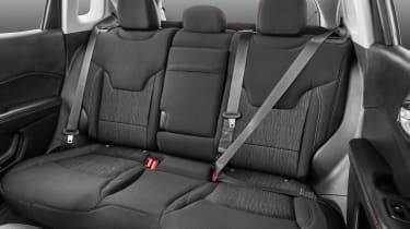 Jeep Compass 2017 - rear seats