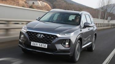 New Hyundai Santa Fe - front tracking
