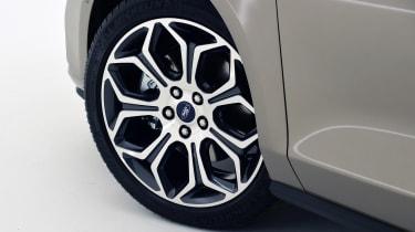 New Ford Focus Estate studio - wheel