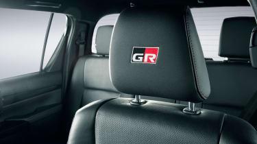 Toyota Hilux GR Sport - headrest