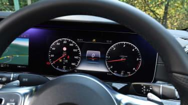 Mercedes CLS 350 d - dials