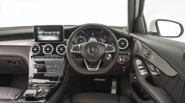 Mercedes GLC 250d 2016 - dashboard