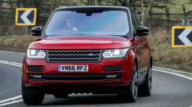 Range Rover SVAutobiography Dynamic 2017 - front cornering 2