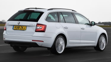 skoda octavia estate tracking rear