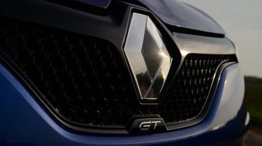 New Renault Megane 2016 hatchback GT front grille