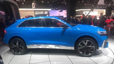 Audi Q8 concept - show side 2