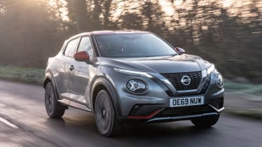 Nissan Juke - front action