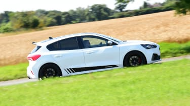 Ford Focus ST Mountune m365 - side