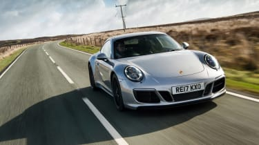 Porsche 911 GTS - front action
