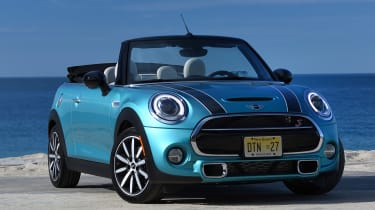 MINI Convertible Automatic - header image