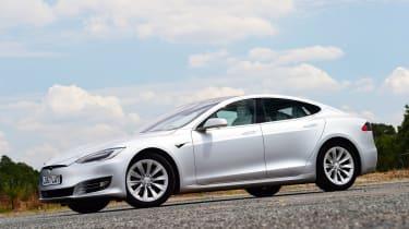 Tesla Model S 75D - front static