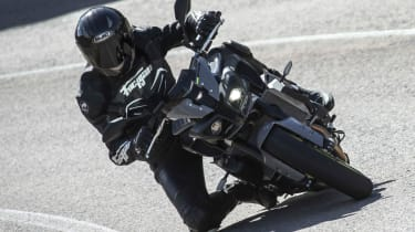 Yamaha MT-10 review - turn in