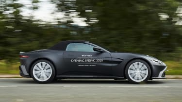 Aston Martin Vantage Roadster - side