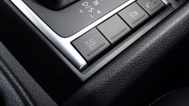 Volkswagen Amarok Dark Label - buttons