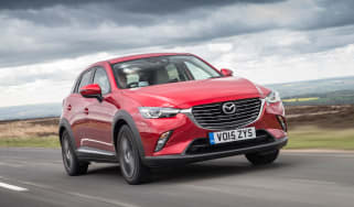 Mazda CX-3 - front tracking