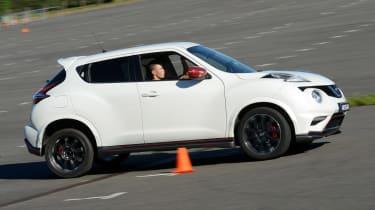 Nissan Juke - track