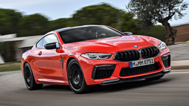 BMW M8 - front tracking