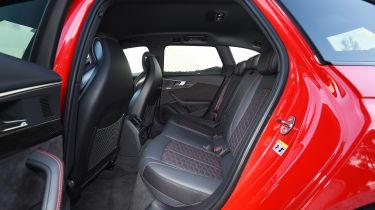 Audi RS 4 - rear seats