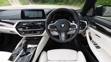 BMW 5 Series Touring - dash