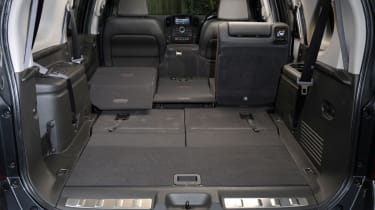 Nissan Pathfinder boot
