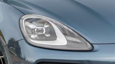 Porsche Cayenne E-Hybrid - front light