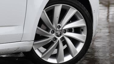 skoda octavia estate alloy wheel