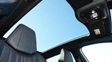 Peugeot 308  - sunroof