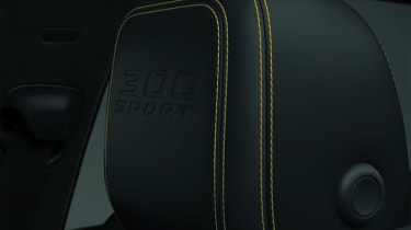 Jaguar F-Pace 300 Sport - headrest