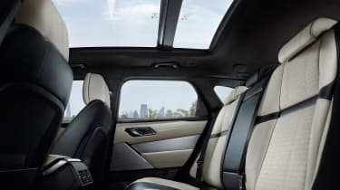 Range Rover Velar - studio rear seats