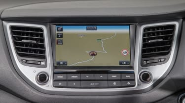 Hyundai Tucson - screen