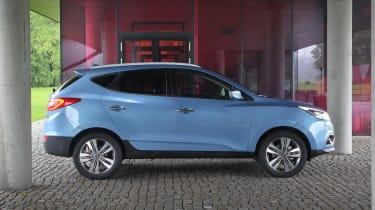 Hyundai ix35 Premium SE side