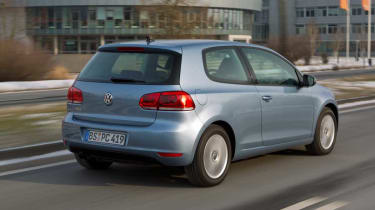 VW Golf Plug-in Hybrid rear tracking