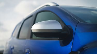 Dacia Duser 4x4 - wing mirror