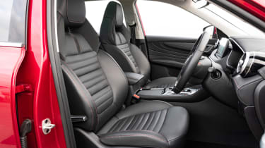 MG HS PHEV - front seats