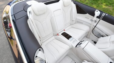 Mercedes S 500 Cabriolet 2016 - rear seats