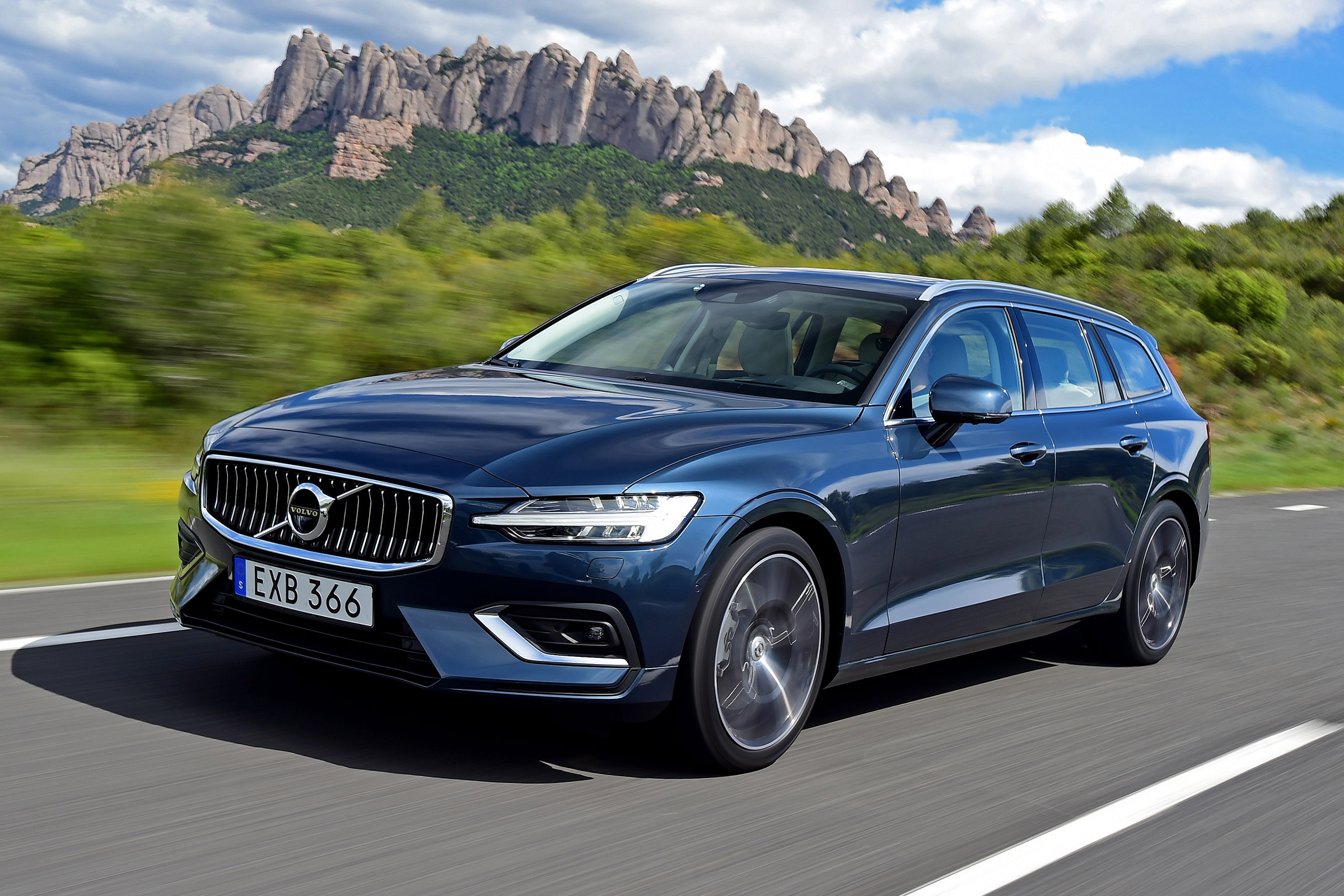 New Volvo V60 D4 2018 Review