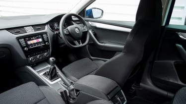 Skoda Octavia SE Sport and SE Technology interior