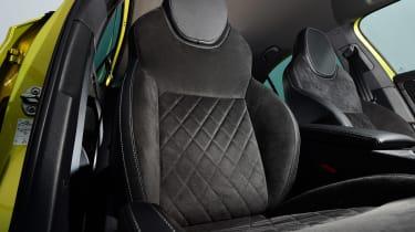 Skoda Superb - front seats
