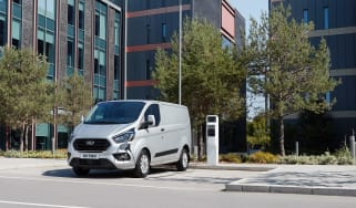 Ford Transit Custom PHEV - Front