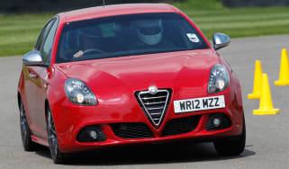 Alfa Romeo Giulietta Cloverleaf front cornering