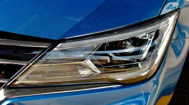 MG 52021 -  headlight