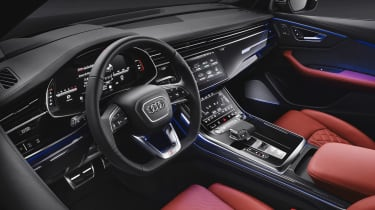 Audi SQ8 - studio dash