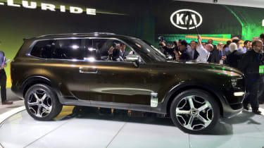 Kia Telluride - side profile show