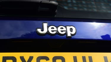 Jeep Renegade - Jeep badge