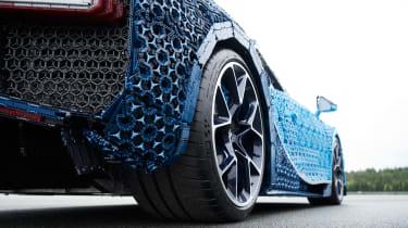 Lego Bugatti Chiron - rear wheel