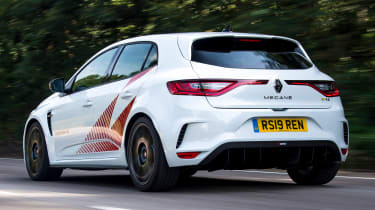 Renault Megane R.S. Trophy-R - rear tracking