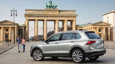 Volkswagen Tiguan 2016 - silver rear quarter
