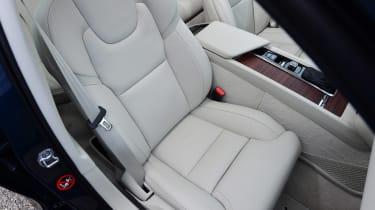 Volvo V60 - front seat